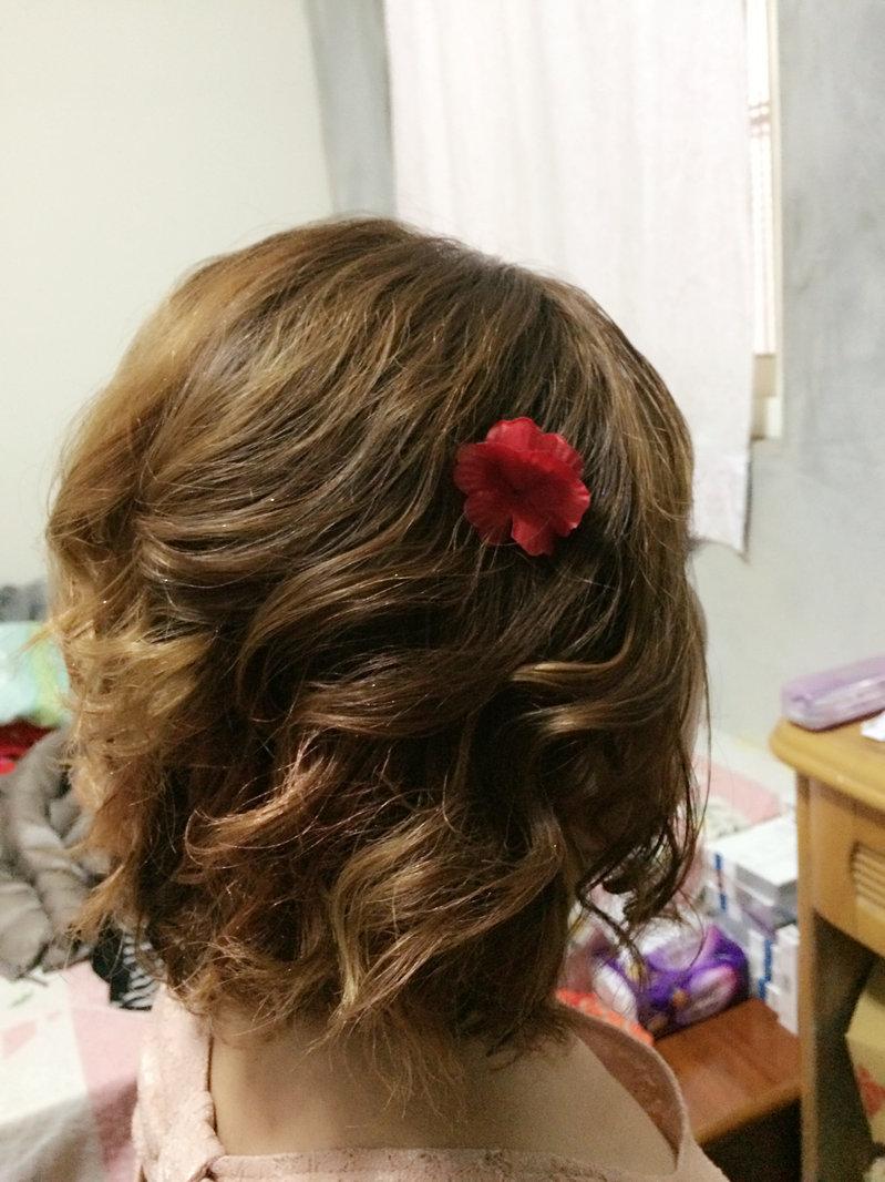 媽媽妝髮/親友妝髮/伴娘妝髮/宴會造型作品