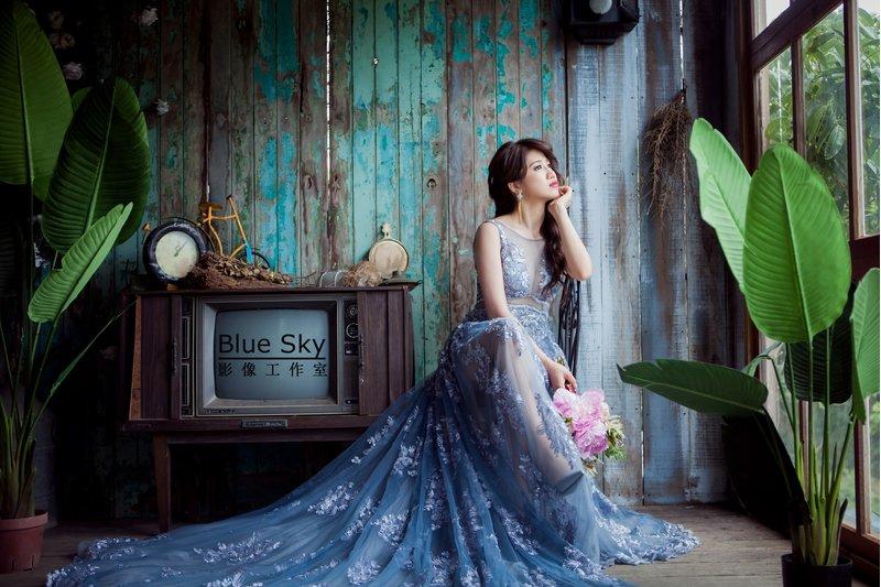 這顏色非常特別,喜歡與眾不同的新娘可以挑選它