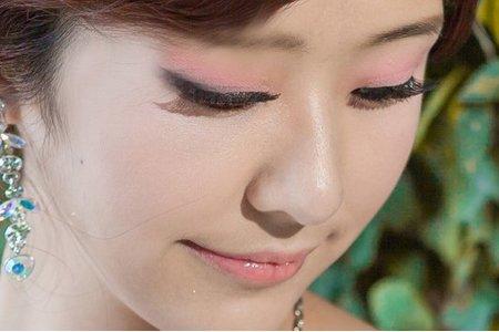 【唯美典雅盤髮風情】 自然輕新妝/韓式側編/華麗鑽飾/新娘秘書作品