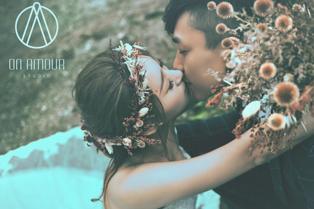 on amour wedding