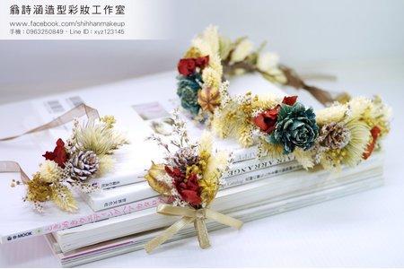 為新娘設計手作的飾品(翁詩涵造型彩妝工作室)