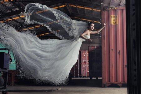 |外拍| 貨櫃婚紗