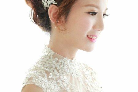 典雅氣質新娘盤髮造型