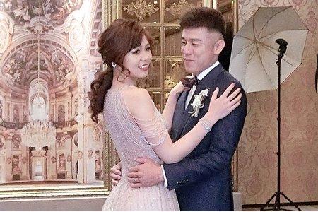 新娘造型-婚禮現場妝髮側拍紀錄