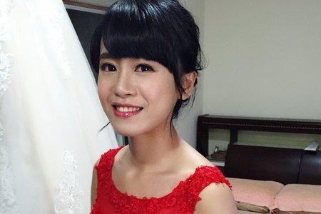 |婚禮造型|典雅低盤髮+氣質白紗