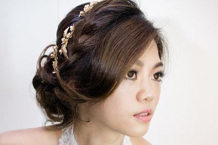 新娘最愛的韓式編髮低盤造型