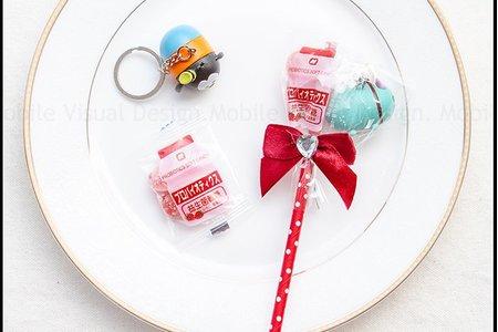 迪士尼鑰匙圈+草莓益生菌軟糖糖果棒
