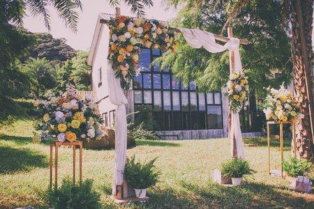 村花弄囍婚禮佈置  黃色系尤加利木拱門