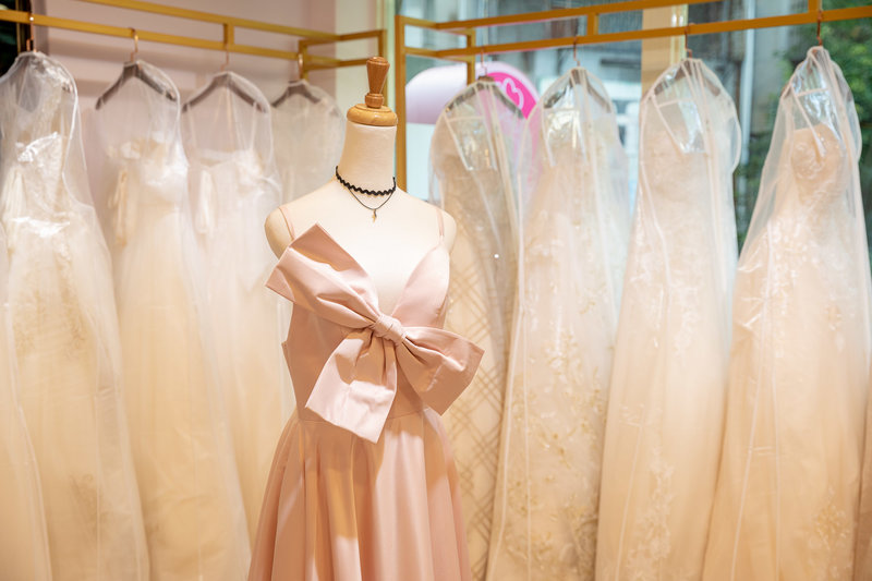 婚紗出租包套優惠(一套白紗+兩套晚禮服)